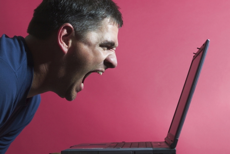Man_yelling_at_computer